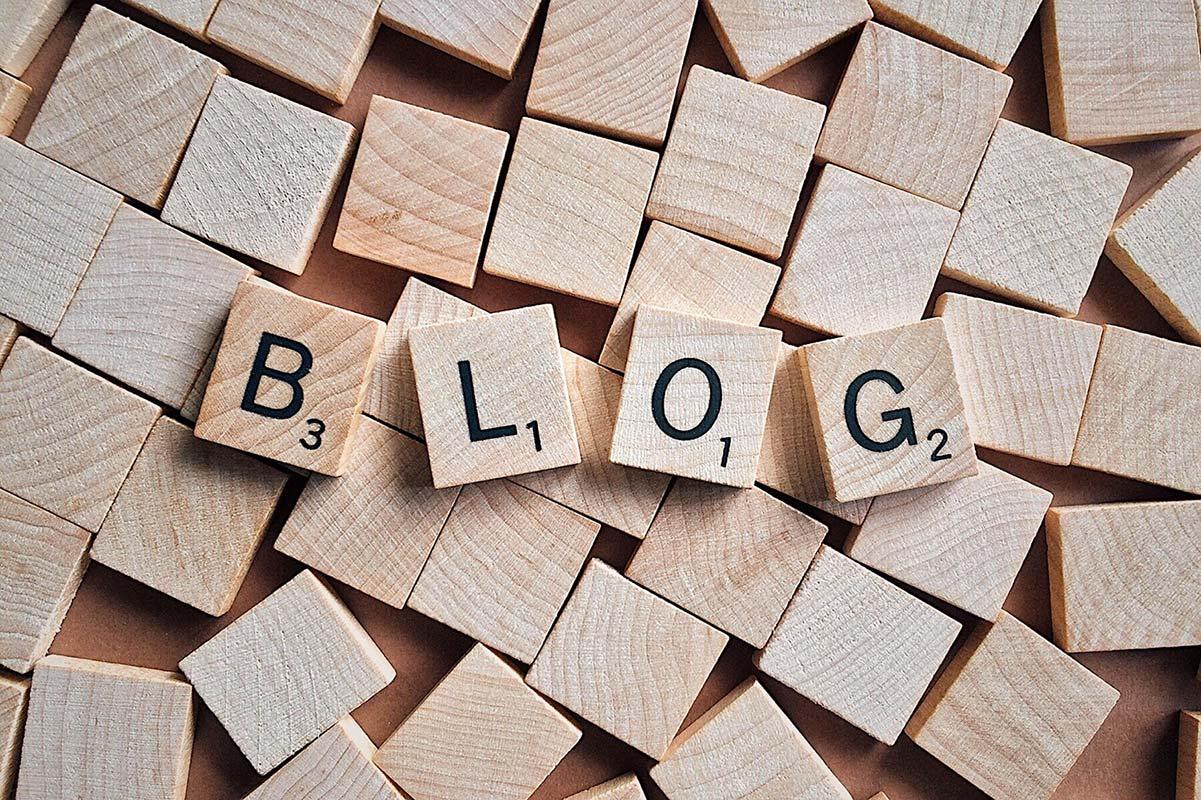 Lavorare sui blog e sui loro contenuti è una competenza digitale necessaria.
